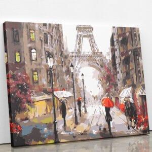 Przed wieżą Eiffla w Paryżu